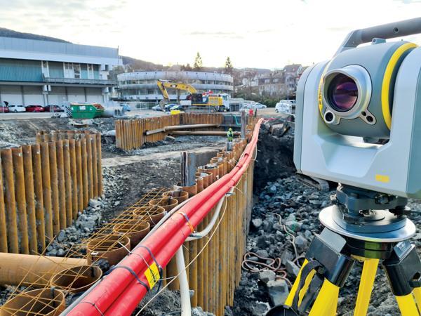 NCC er blant de første som bruker totalstasjonen Trimble SX 12 i Norge under målearbeid.
