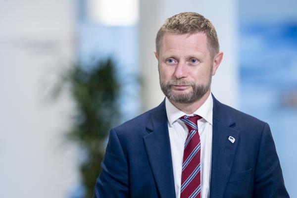 Helse- og omsorgsminister Bent Høie (H) satte tirsdag punktum for den årelange striden om plasseringen av det nye sykehuset på Innlandet. Foto: Fredrik Hagen / NTB