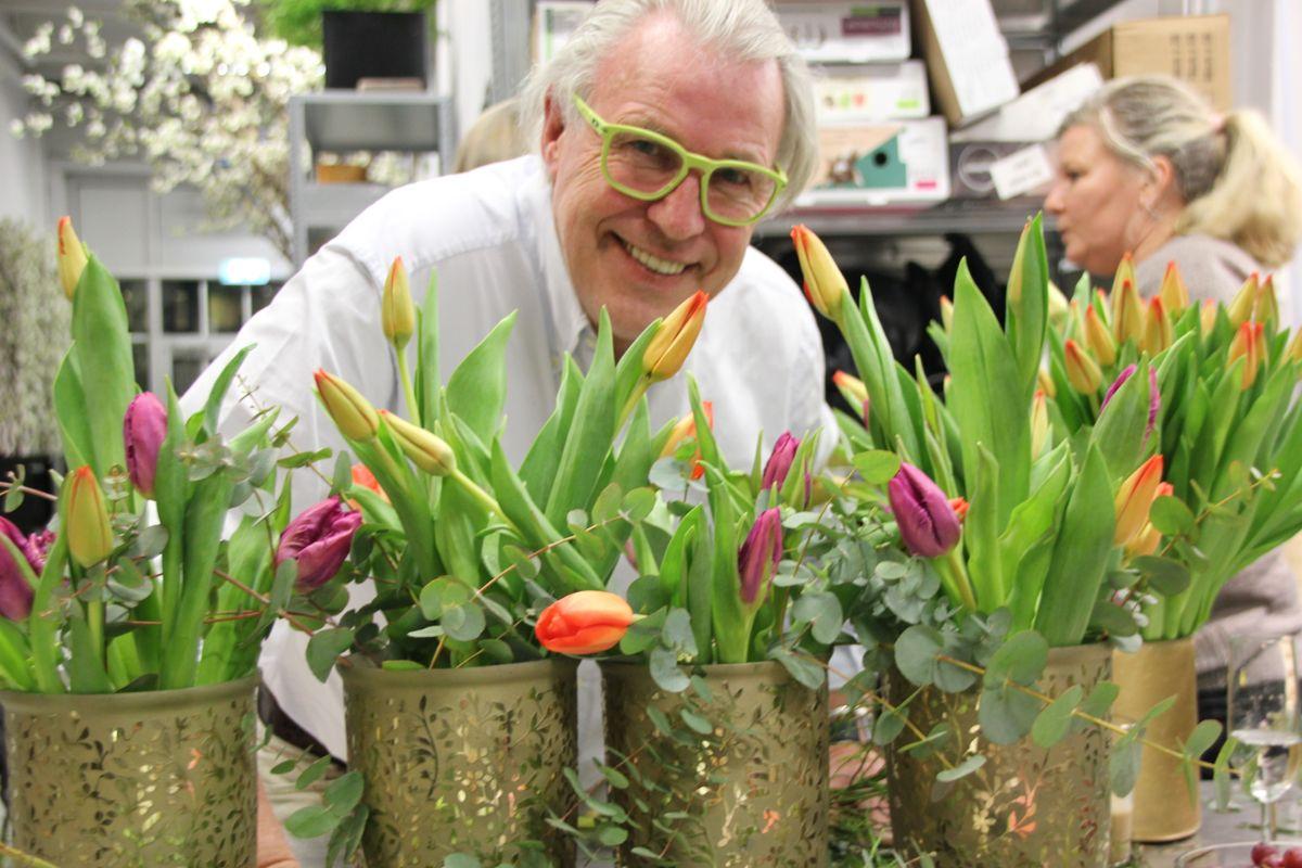 Finn Schjøll er en ihuga tulipanentusiast. Foto: Svanhild Blakstad