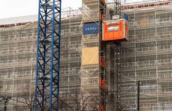 Økende behov for arbeidskraft, blant annet innen bygg og anlegg, gir jobbmuligheter for folk som tidligere har slitt i arbeidslivet. Foto: Erik Johansen / NTB