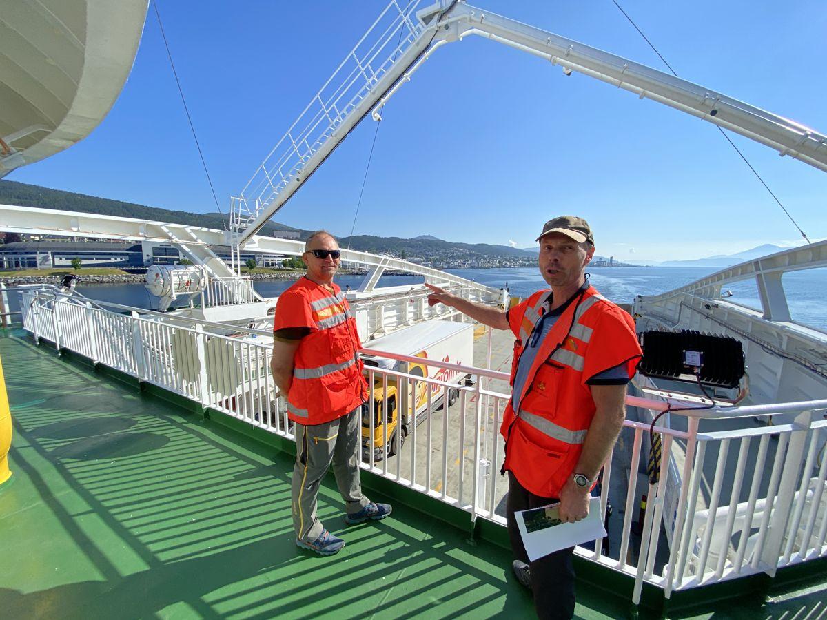 Utbyggingsdirektør Ove Nesje og prosjektleder Harald Inge Johnsen ser frem til anleggsstart på E39 Ålesund-Molde. Interessen for prosjektet er stor i anleggsbransjen. Foto: Statens vegvesen