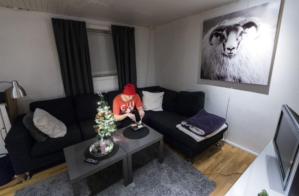 Det er mest vanlig å bo alene i starten og slutten av voksenlivet, viser tall fra SSB. Illustrasjonsfoto: Gorm Kallestad / NTB