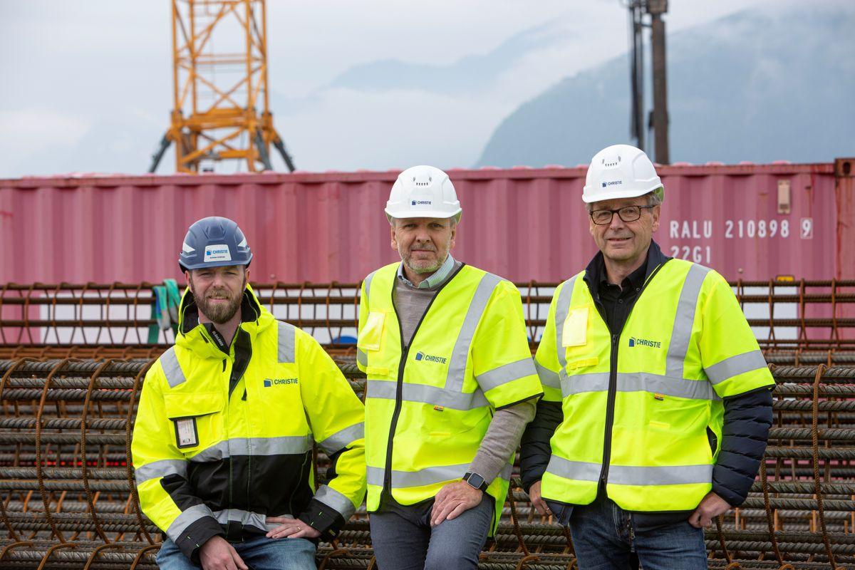 Daglig leder Andreas Andenæs i Christie & Opsahl (t.v), er blant bransjeaktørene som har bidratt i forskningsprosjektet. Her sammen med prosjektleder Geir Vegsund og senior advisor Bjørn Gjerde i Converto.