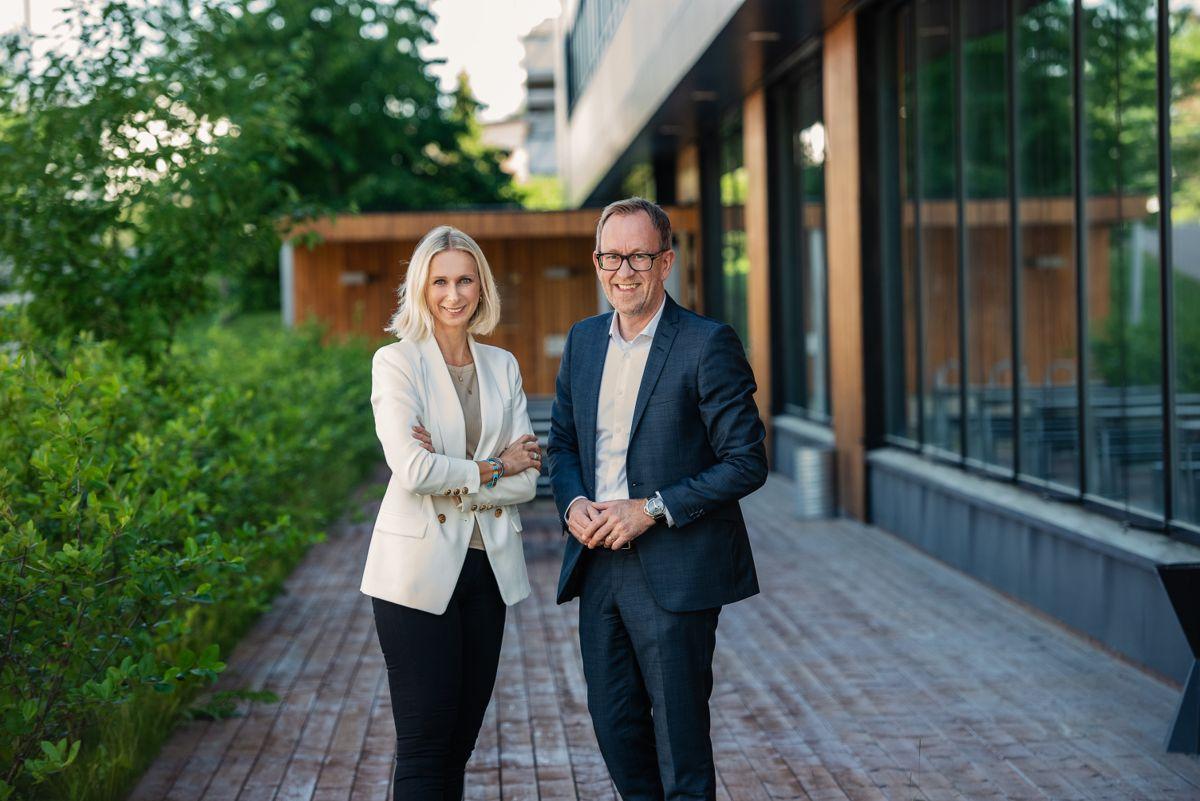 Guro Steine, konserndirektør kommunikasjon og bærekraft og Kim Robert Lisø, konsernsjef i GK. Foto: Nicolas Tourrenc