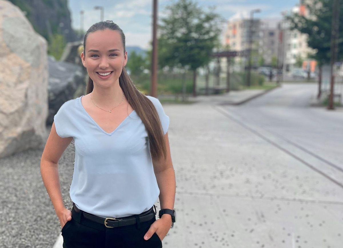 Jusstudent Ignethe Caroline Aaby er først ute i det nye traineeprogrammet innen entreprisefaget som går i regi av Arntzen de Besche, OBOS og Veidekke.