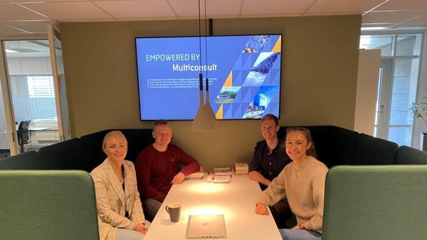 RIFs sommerjobbgruppe. Fra venstre Frida Celius Kalheim (Norconsult), Erik Nordahl (Multiconsult), Markus Kvillum Kildahl (Asplan Viak) og Nadja Grozdanic (COWI). Foto: RIF