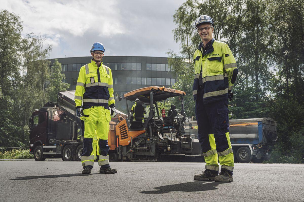 Erik Grimm Strømme, Skanska Industrial Solutions og Eilev Lilleland i Skanska Norge. Foto: Benjamin A. Ward