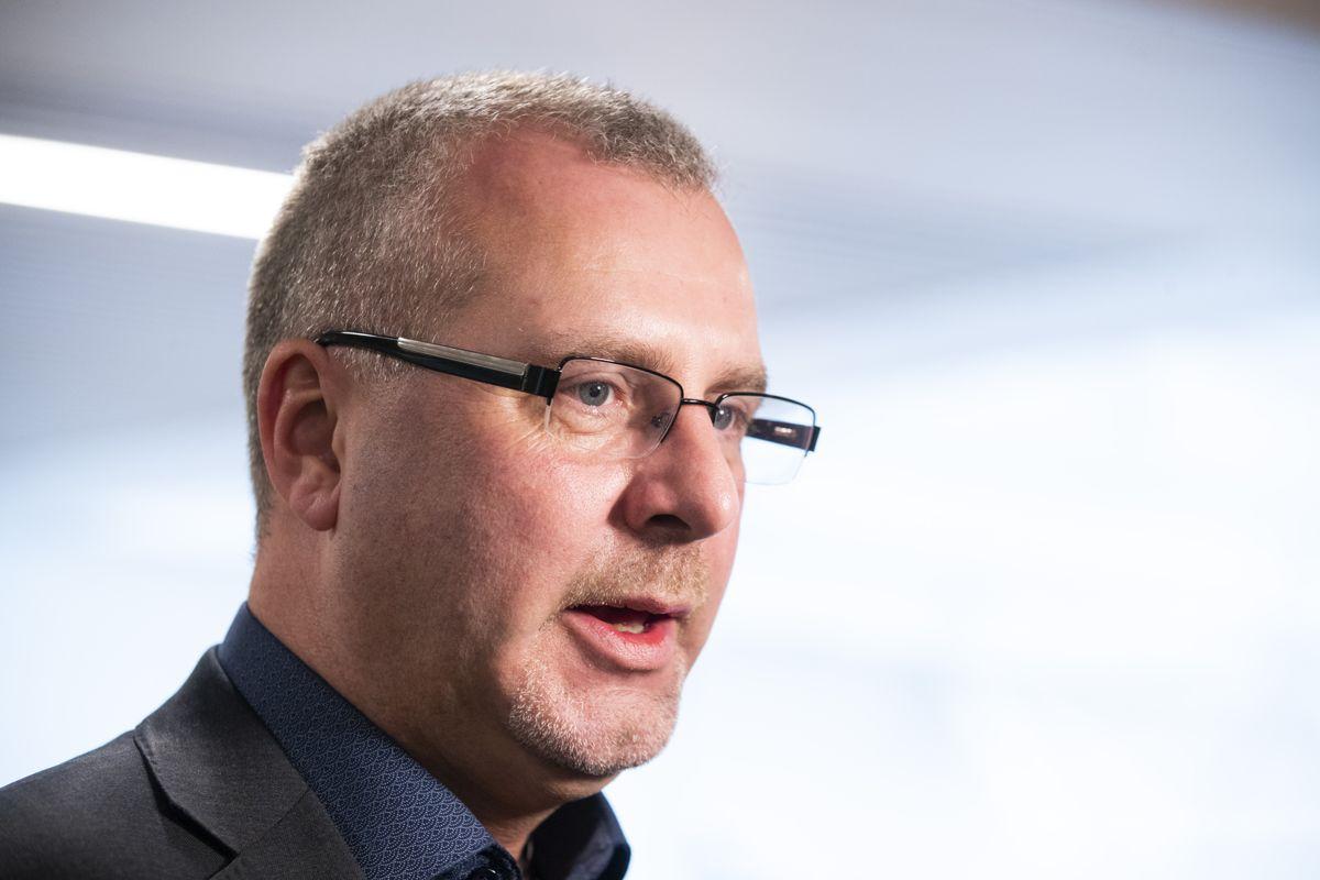 Andre nestleder i LO, Roger Heimli, mener forslaget om skattelette vil øke forskjellene blant unge. Arkivfoto: Håkon Mosvold Larsen / NTB