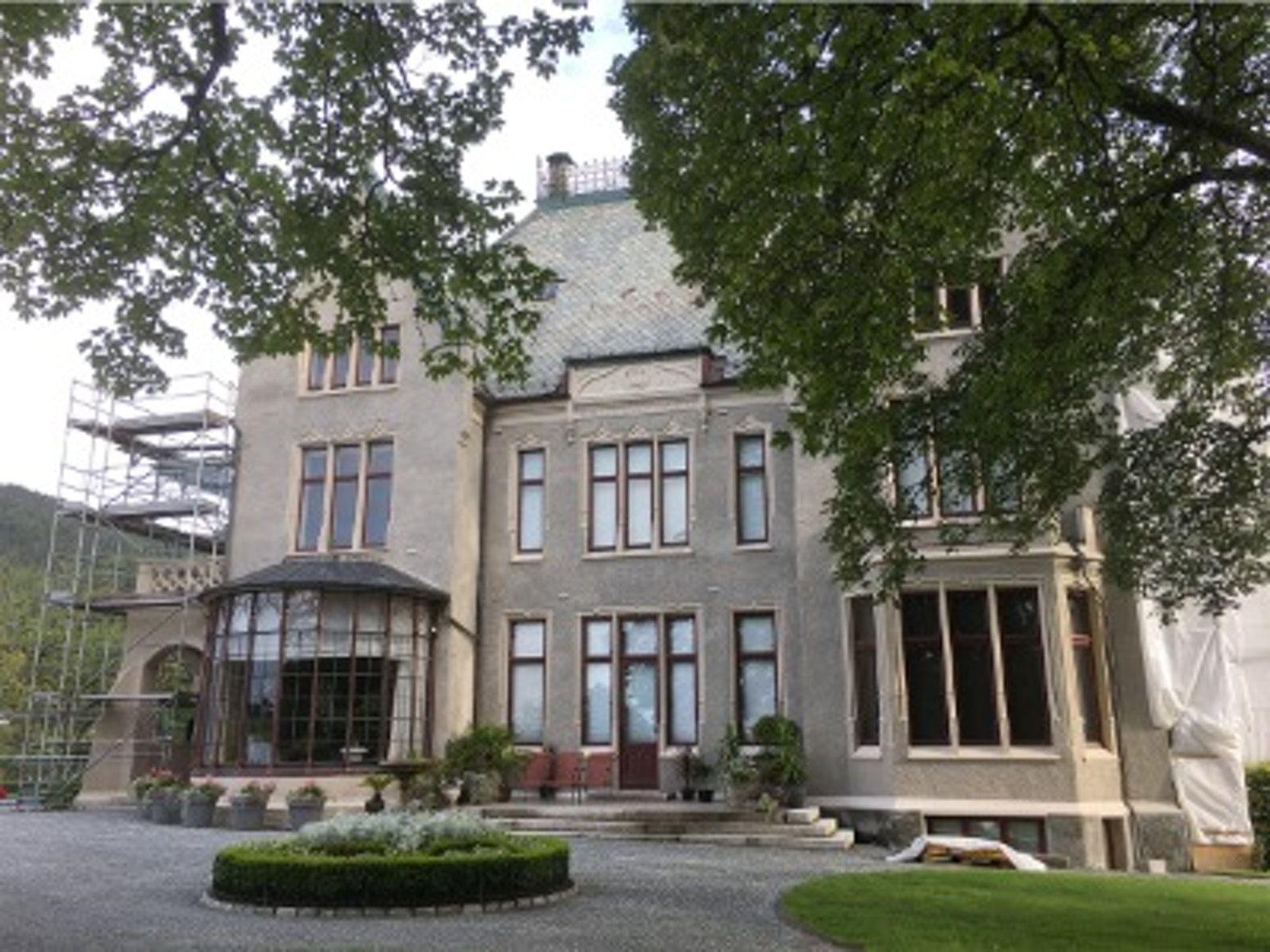 Gamlehaugen er den offisielle kongeboligen i Bergen. Foto: Statsbygg