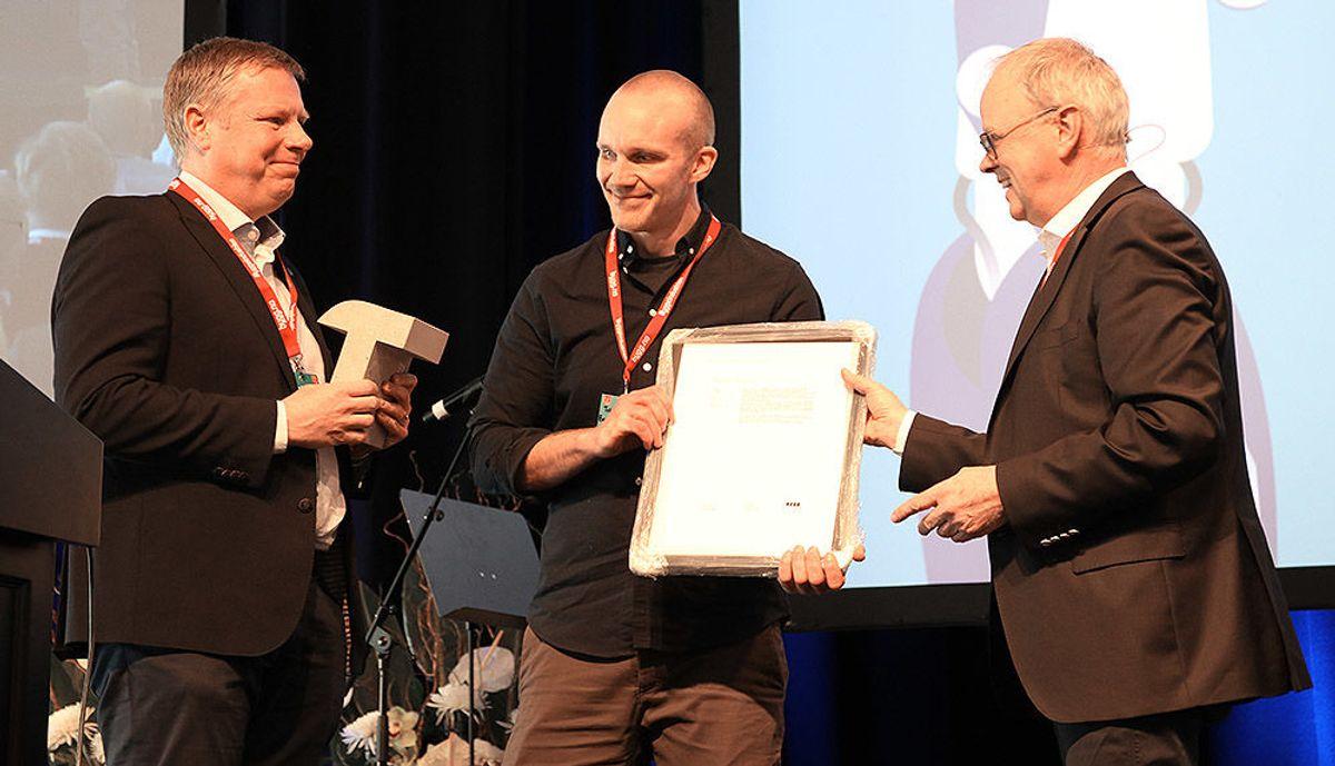 Asle Randen (Backe Entreprenør) (f.v), Tobias Eriksson (Backe Entreprenør) og Sverre Tiltnes (Bygg21).