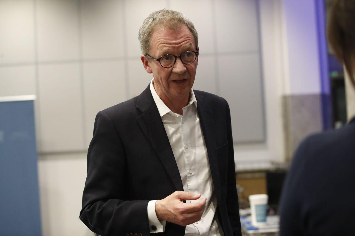 Administrerende direktør Idar Kreutzer i Finans Norge tror forventninger om økte renter legger en demper på ønsket om økt forbruk. Foto: Terje Bendiksby / NTB