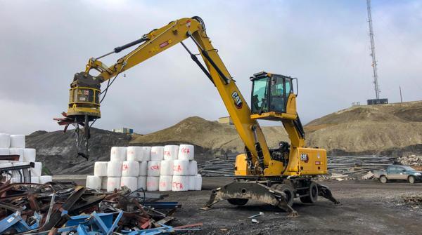 Pon Rental har levert en Cat MH3026 materialhåndterer til Svea på Svalbard.