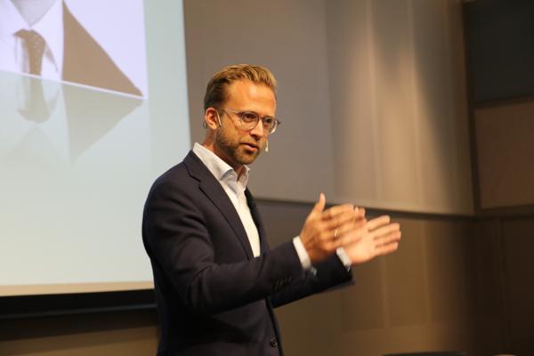 Kommunal og moderniseringsminister Nikolai Astrup (H). Foto: Arve Brekkhus
