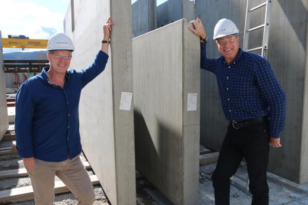 Styreleder Stian Molstadkroken (t.v) og daglig leder Ken Ove Nyhus i Opplandske Betong, mener alt ligger til rette for at selskapet skal nå sine vekstambisjoner de kommende årene.