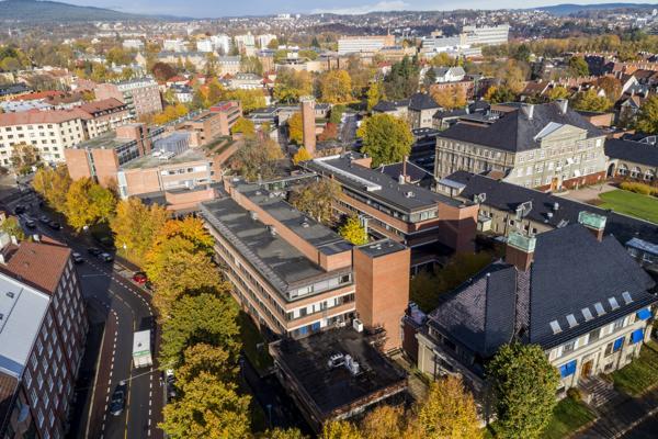 Utsikt over den tidligere Veterinærhøgskolen og Veterinærinstituttet på Adamstuen i Oslo. Arkivfoto: Tore Meek / NTB