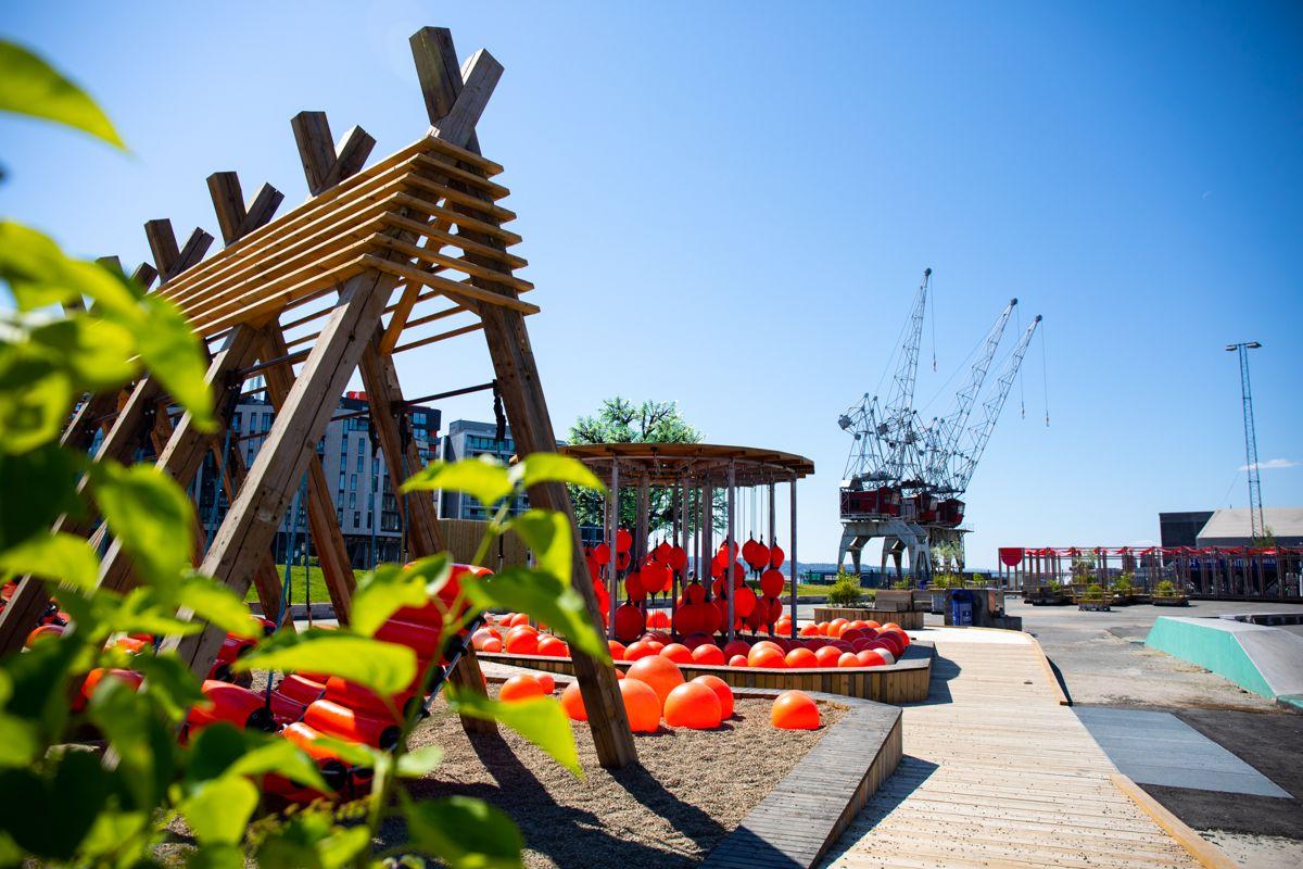 Som del av Havnepromenadeprogrammet og i forbindelse med markeringen av Oslo som europeisk miljøhovedstad i 2019, etablerte Oslo kommune Trettenparken som et offentlig tilgjengelig parkanlegg for egenorganisert aktivitet ved Skur 13 på Filipstad.  Foto: Jiri Havran