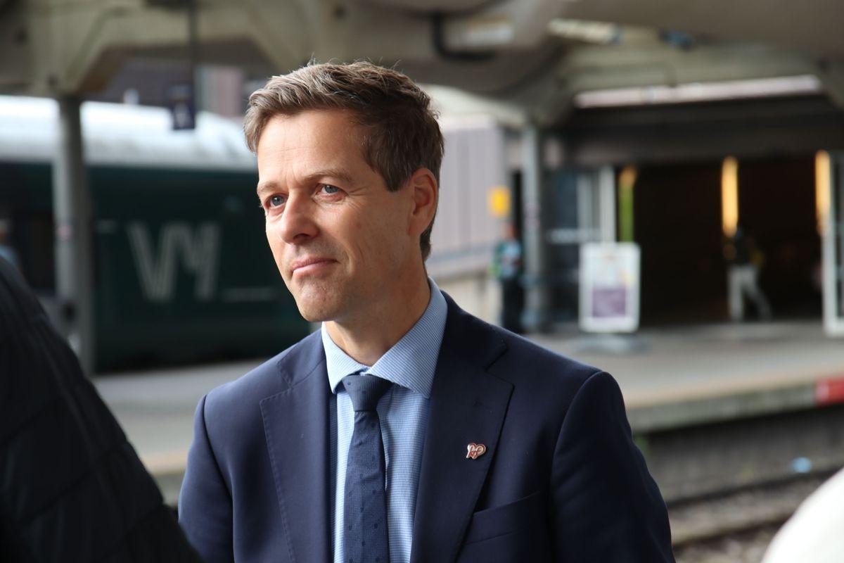Knut Arild Hareide mener tre grep har vært spesielt viktige i hans tid som samferdselsminister. Foto: Frode Aga