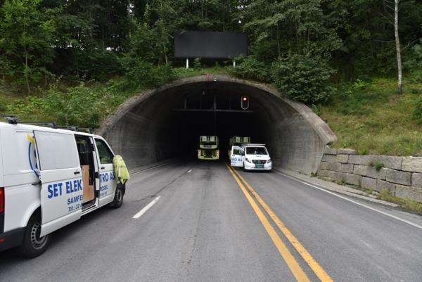 Natt til 21. september starter arbeidet med å skifte ut den gamle belysningen i Oslofjordtunnelen med led-belysning.