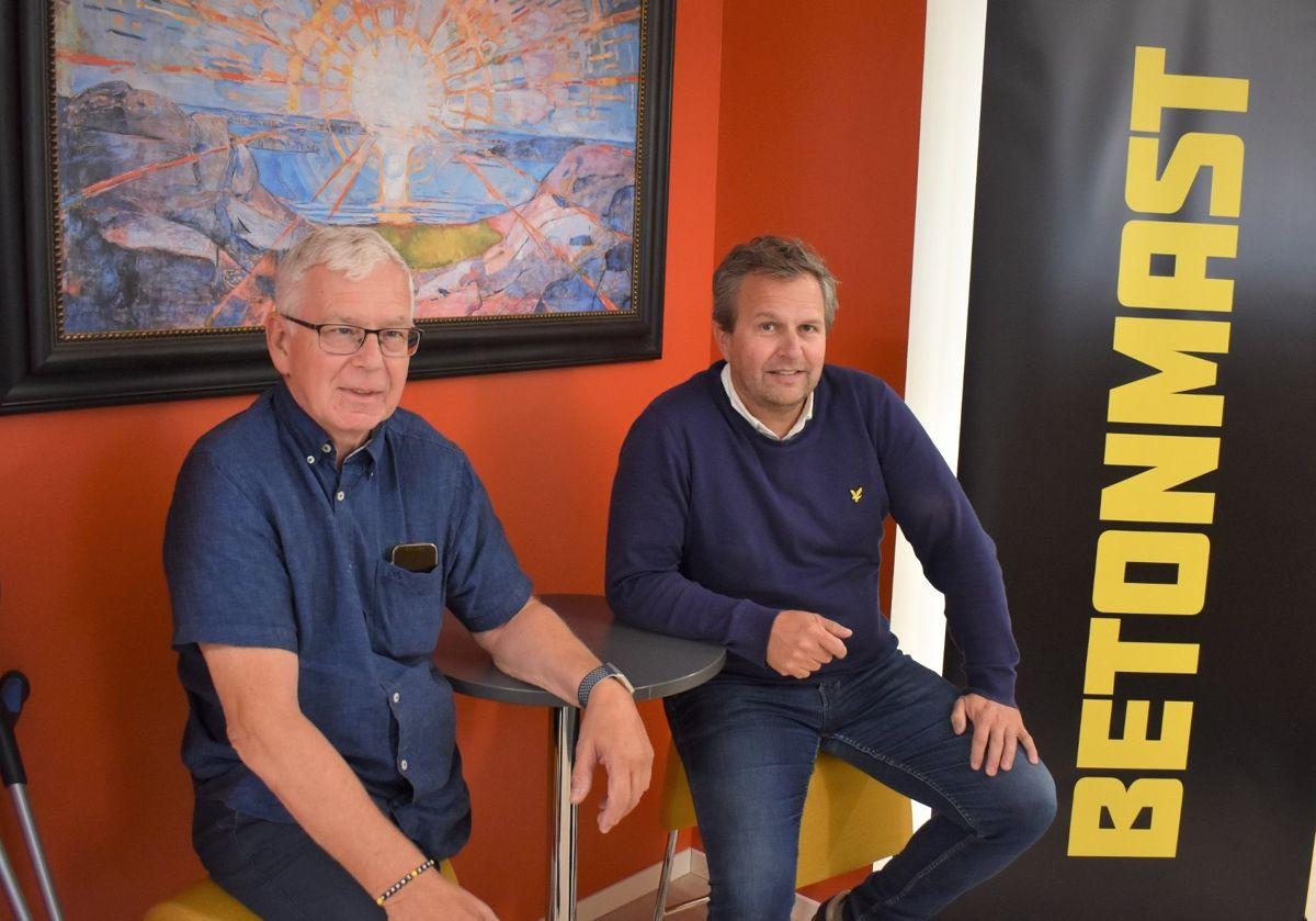 Ståle Kværndal (til høyre) overtar stafettpinnen som daglig leder i Betonmast Innlandet, mens Nils Raymond Laeskogen trer inn i rollen som teknisk sjef. Foto: Henning Raae, Toten idag