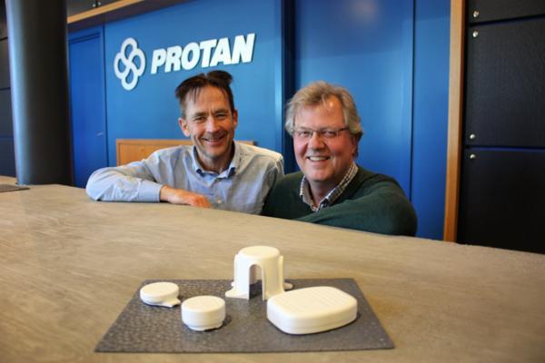 Bjørn Nordseth i Protan (t.h.) og Tor Ove Nesset i Sensor Innovation. Foto: Protan