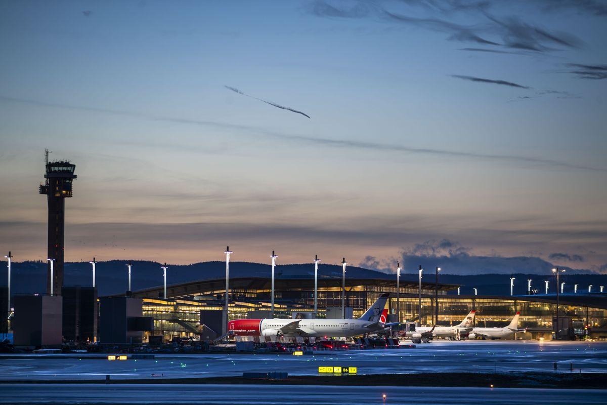 Innreiserestriksjonene fra EU/Schengen, Storbritannia og såkalte lilla land blir opphevet. Illustrasjonsfoto: Håkon Mosvold Larsen / NTB