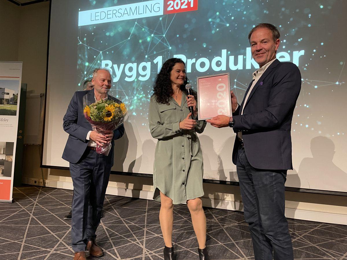 Bygg1 Produkter AS ved Jan Runar Holsvik mottok prisen som årets leverandør. Foto: Systemhus
