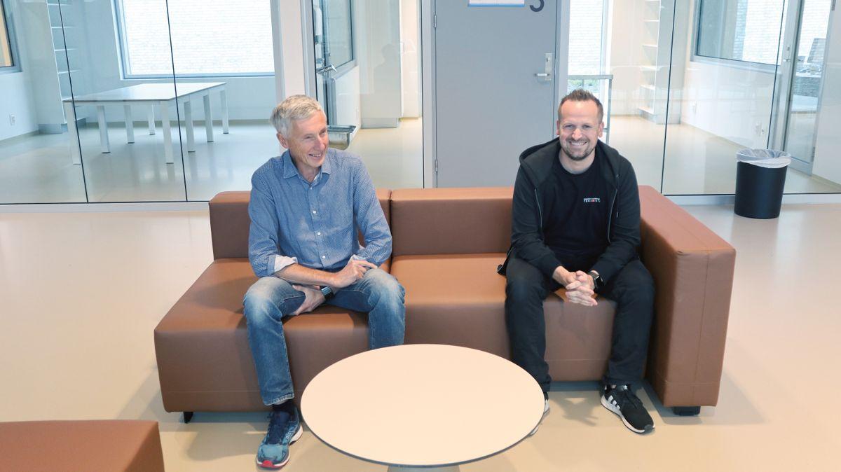 Jan Petiter Egseth (t.v.) fra Sykehusbygg og Torkil Ingdal fra NCC er fornøyd med både byggeprosessen og resultatet.