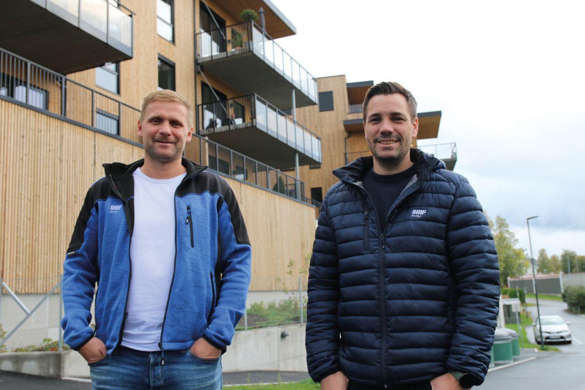 Anleggsleder Fredrik Langfoss (t.v) og prosjektleder Kjell Arild Korbøl i Ø. M. Fjeld.