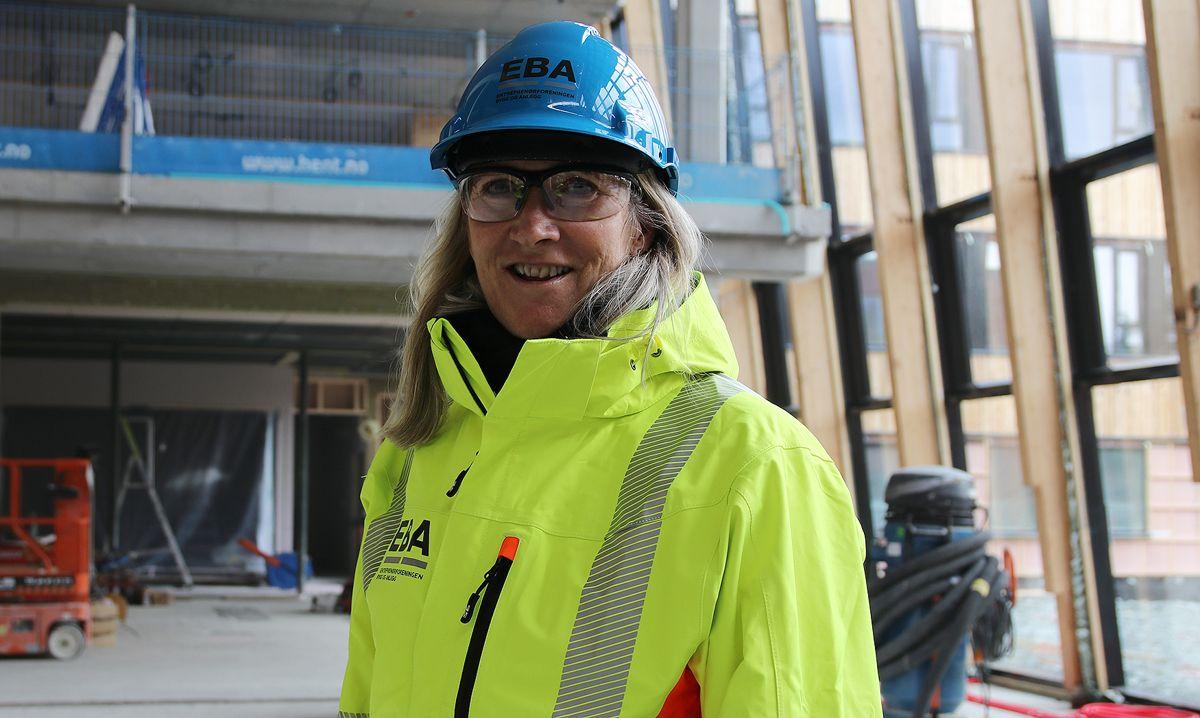 – Bygge- og anleggsnæringen ser fortsatt halen på pandemien og noe av det viktigste nå er å sørge for økt aktivitet i næringen fremover, sier Kari Sandberg, administrerende direktør i Entreprenørforeningen – Bygg og anlegg (EBA).