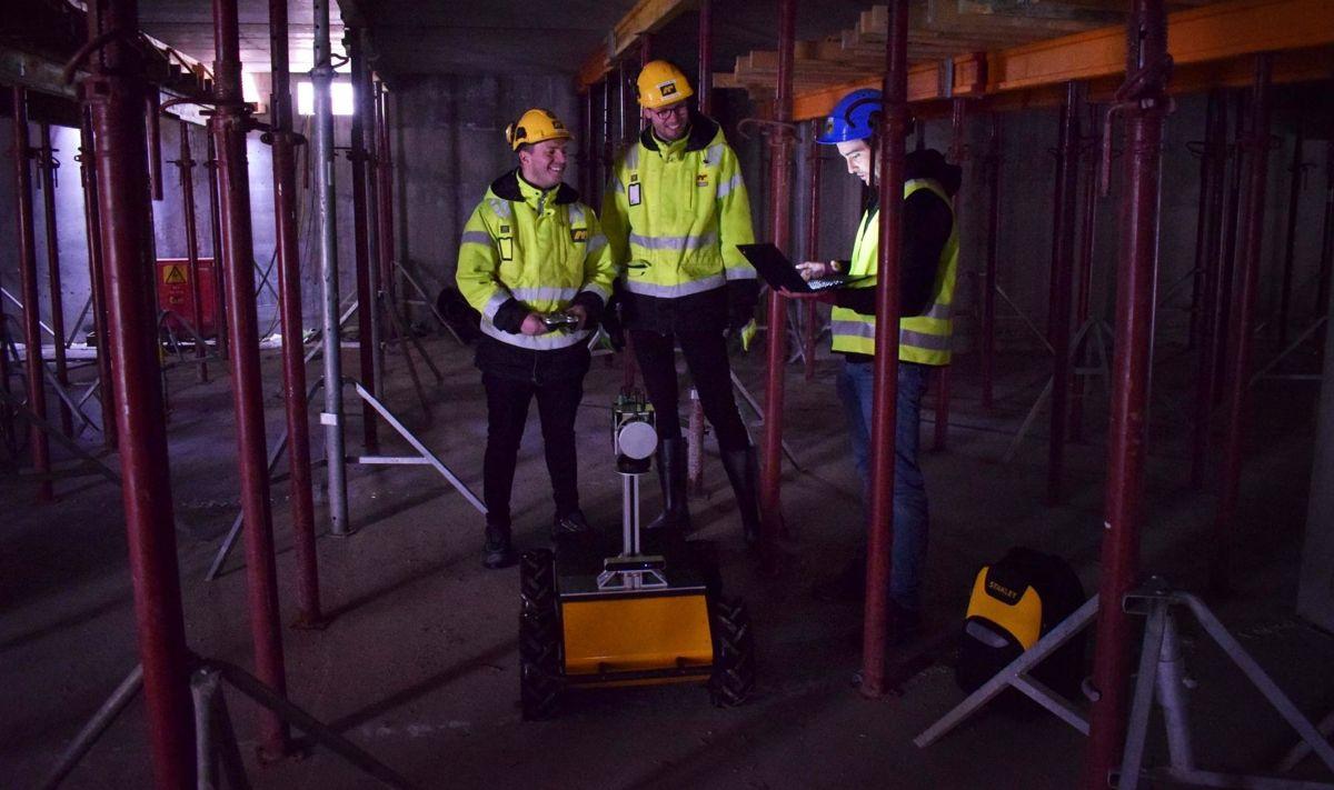 <p>Denne roboten er blitt testet ut på AF Gruppens byggeplass i Bjørvika. Det er Scale Robotics fra Barcelona som har utviklet roboten. Foto: AF Gruppen</p>