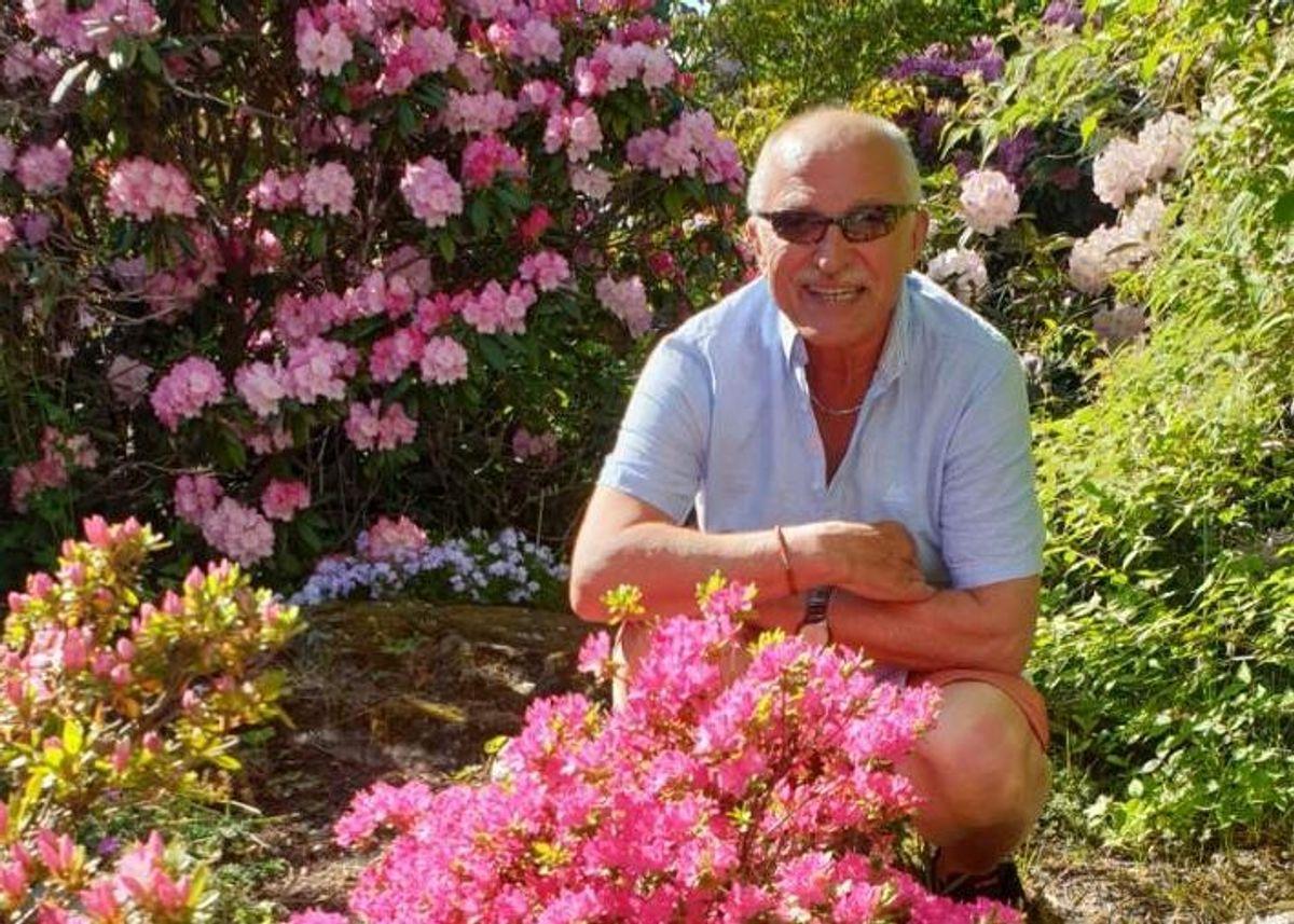 Kjell Harald Kristoffersen har jobbet 50 år uten sykefravær i JM. Den 71 år gamle hageentusiasten forteller at han gleder seg over hver dag på jobben. Foto: Privat