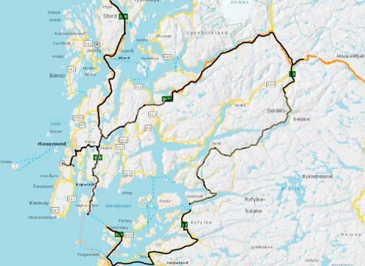 Markert med grått til venstre er kontraktsområdet i kommunene Fitjar, Stord, Bømlo, Sveio, Karmøy, Haugesund, Tysvær, Bokn, Vindafjord, Etne. Til høyre er kommunene Sauda, Suldal og Ullensvang. Nederst er kommunene Hjelmeland, Strand, Randaberg og Stavanger. illustrasjon: Statens vegvesen