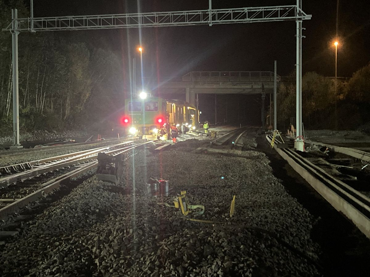 Baneservice har ansvaret for de jernbanetekniske arbeidene som utføres i totalbruddet.