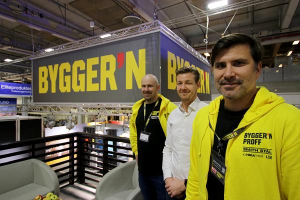 Markedsdirektør proff Markus Sletten Berget, E.A. Smith-direktør Arne Reinertsen og kjededirektør Øyvind Eidem er alle fornøyde med at Bygger'n er tilbake på Bygg Reis Deg.