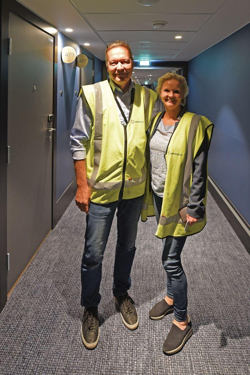 Hotellbyggere. Prosjektansvarlig Kari Saarisilta og prosjektleder Fredrikke Frost Traaholt fra Constructa Entreprenør.