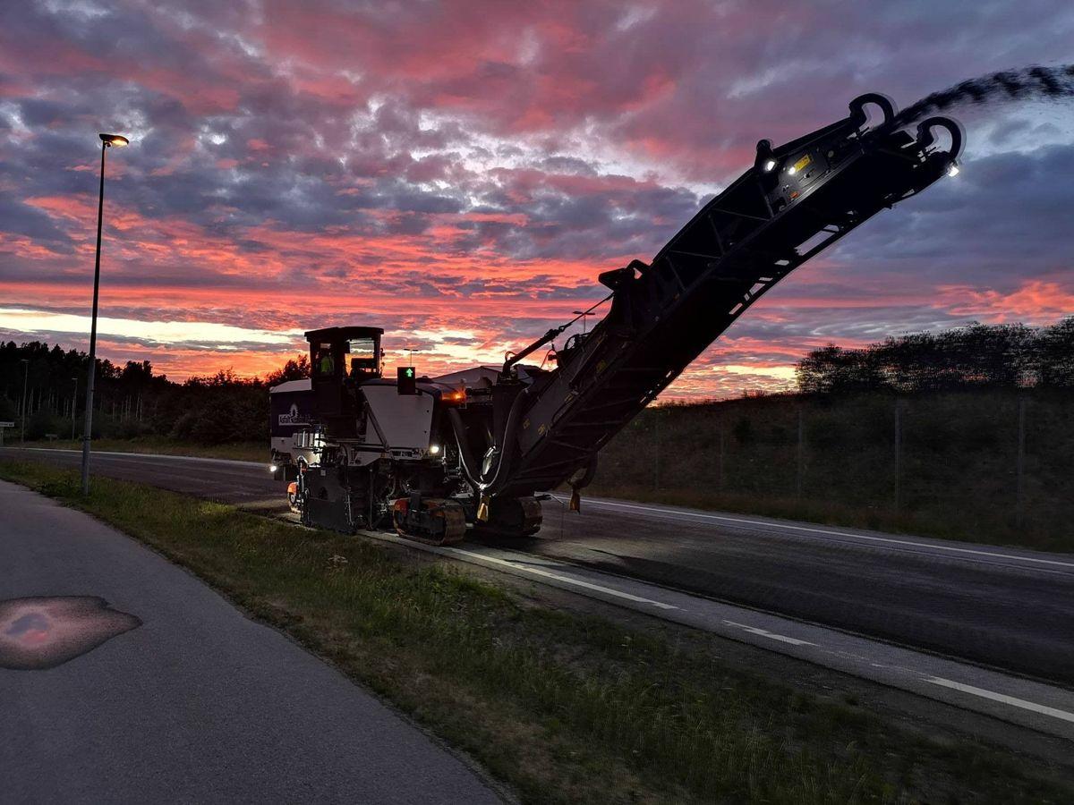 Det legges ny asfalt i Østfold. Foto: Asfalt Remix