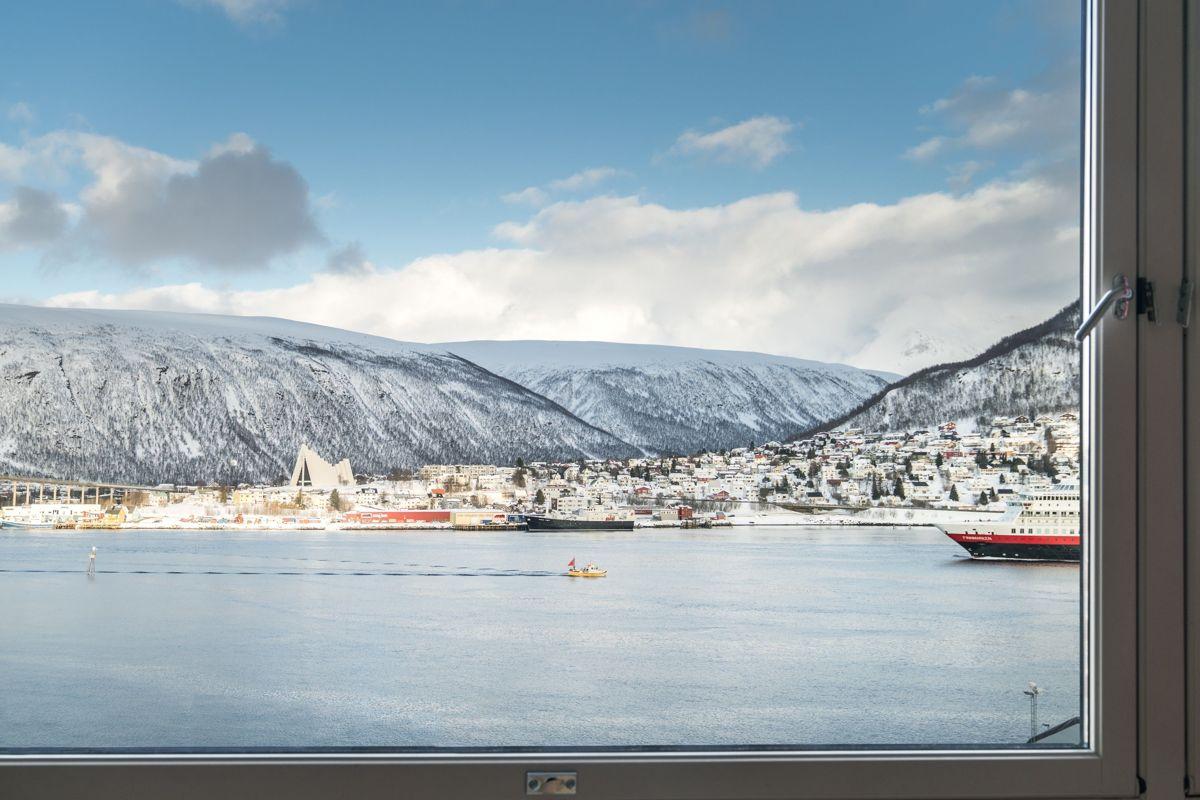 Utsikten fra et av gjesterommene hos Radisson Blu Hotel i Tromsø.