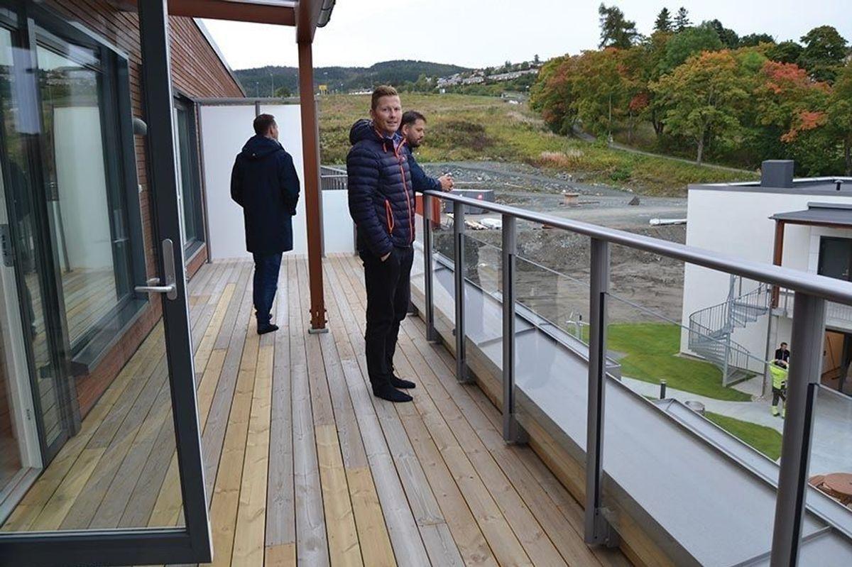 Prosjektsjef Kim Johansen i BetonmastHæhre Trøndelag viser gjerne frem alle sider av nyinnflyttetde Ranheim Amfi.