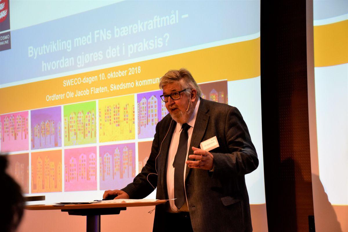Ole Jacob Flæten, ordfører Skedsmo kommune, holdt innlegg under konferansen.