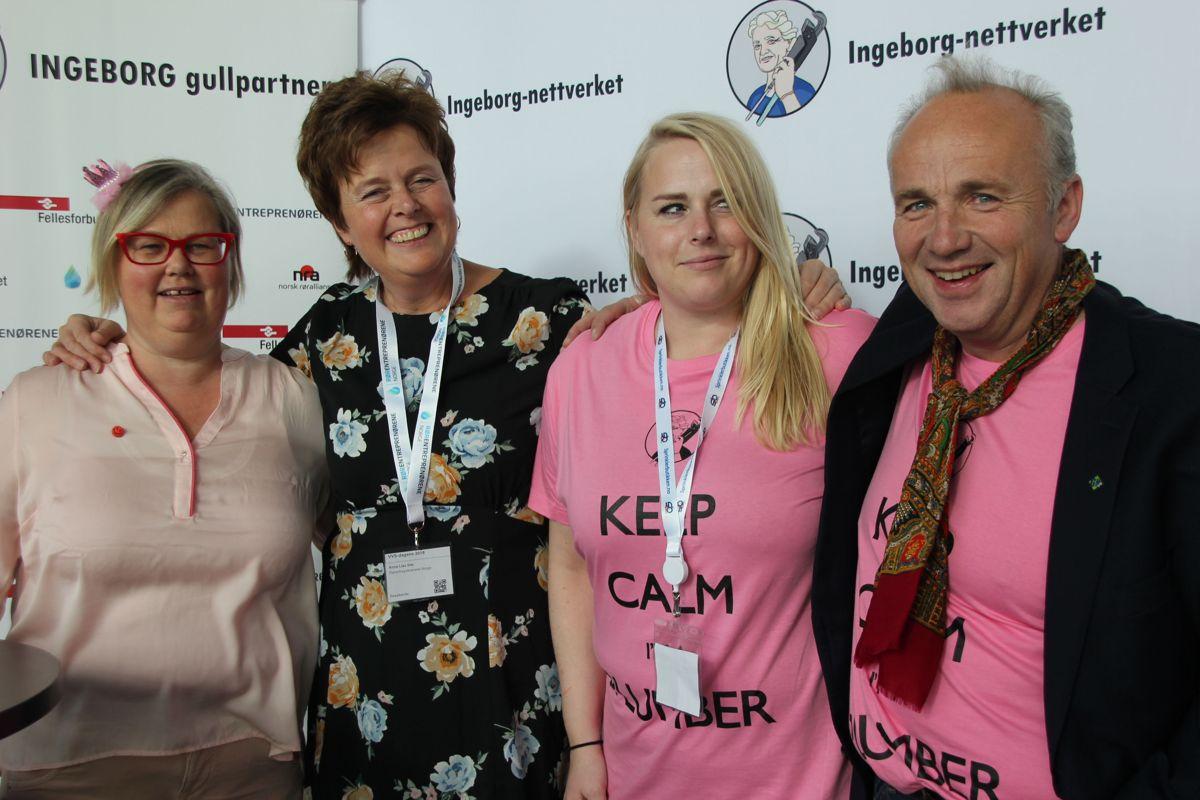 Markedssjef Ole Gustav Rontén i GK var en av mange som besøkte standen til Ingeborg-nettverket under VVS-dagene. Til venstre Marit Røn og Anne Lise Ihle i Rørentreprenørene Norge, Iselin Abell Nilsen, anleggsleder i AF Energi og Miljøteknikk og styremedlem i Ingeborg nettverk.