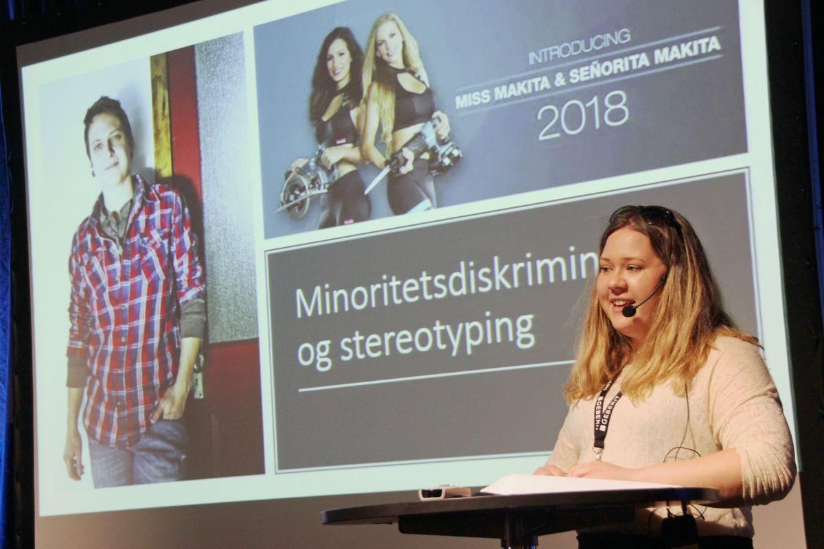 Rørlegger og styremedlem i Ingeborg-nettverket Marie Linn Havsgaard holdt foredrag om hvordan det er å være kvinnelig rørlegger i en mannsdominert bransje. Foto: Svanhild Blakstad