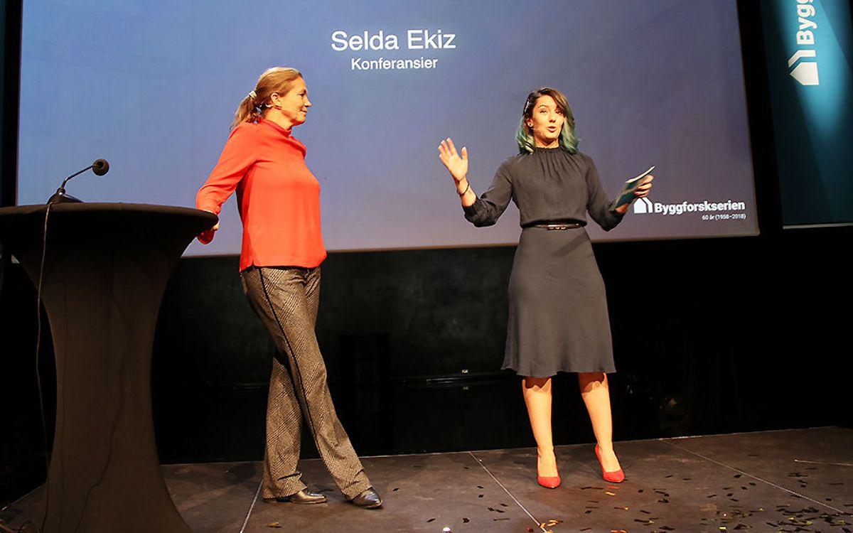 Alexandra Bech Gjørv, konsernsjef i SINTEF og konferansier Selda Ekiz .