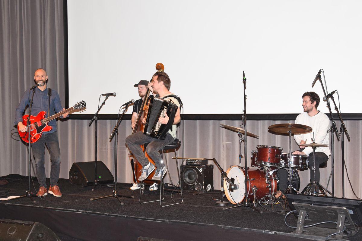 Mads Berven Trio (for anledningen utvidet til Quattro) underholdt.
