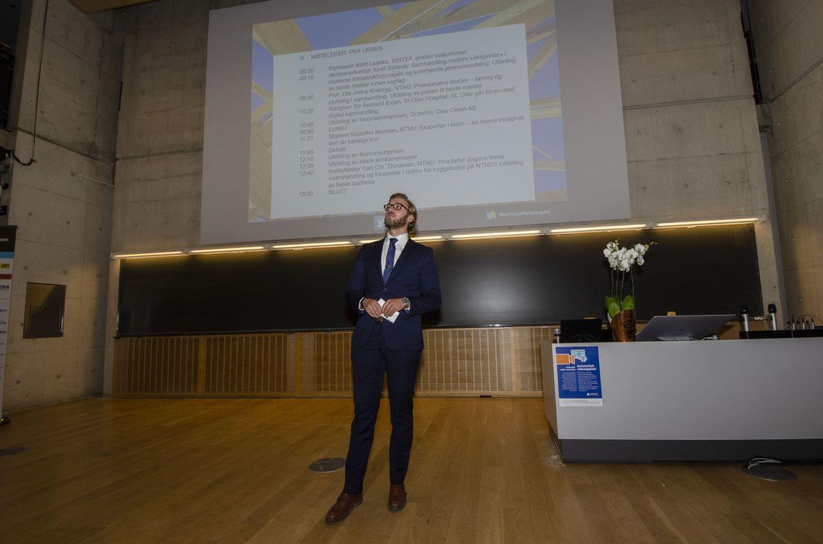 Bygg- og miljøteknikkstudent Per Urnes er møteleder under BM-dagen 2018.