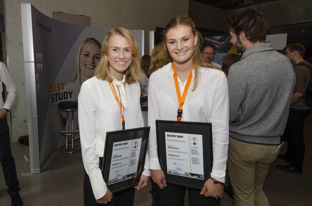 Åshild Huseby (til venstre) og Marie Eliassen fikk Nyskapingsprisen 2018 for oppgaven «The Digital Workflow of Parametric Structural Design - Developing Grid Shells in a Nordic Climate».
