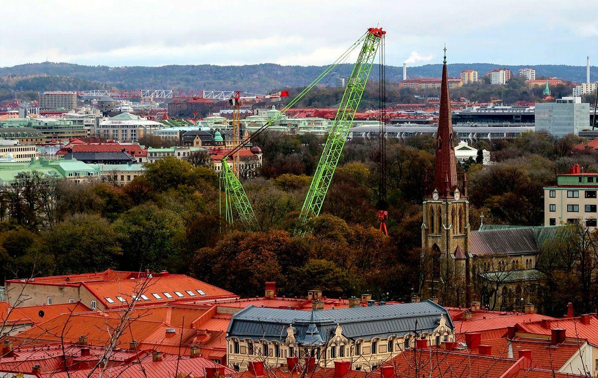 Det spesielle løfteoppdraget ble gjennomført sentralt i Gøteborg. Foto: Kynningsrud.