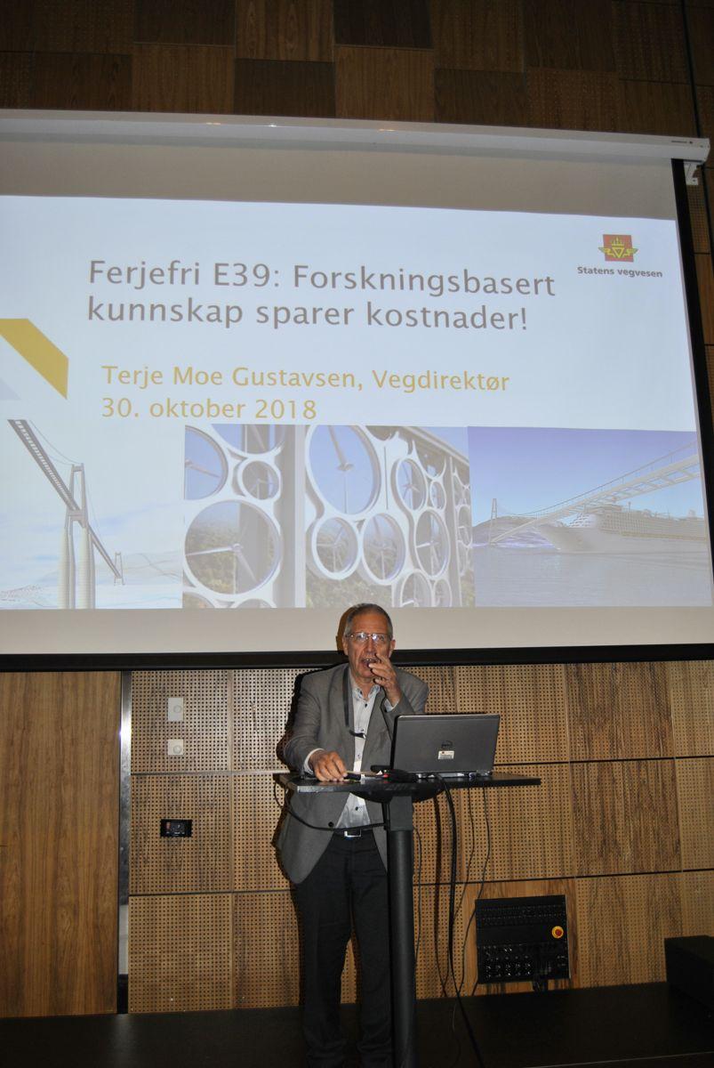 Vegdirektør Terje Moe Gustavsen under konferansen.