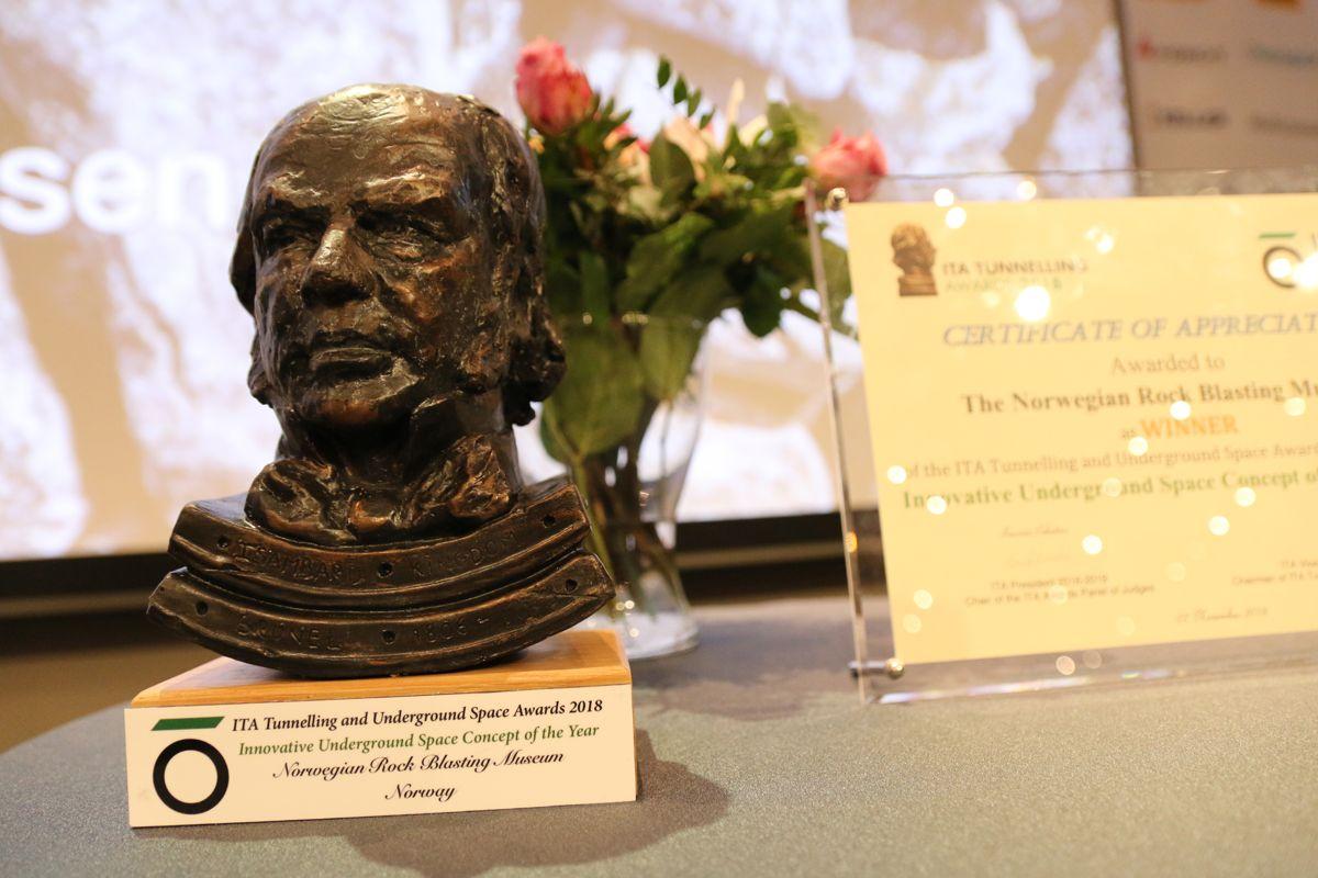 Norsk Fjellsprengningsmuseums ITA-pris ble vist frem.