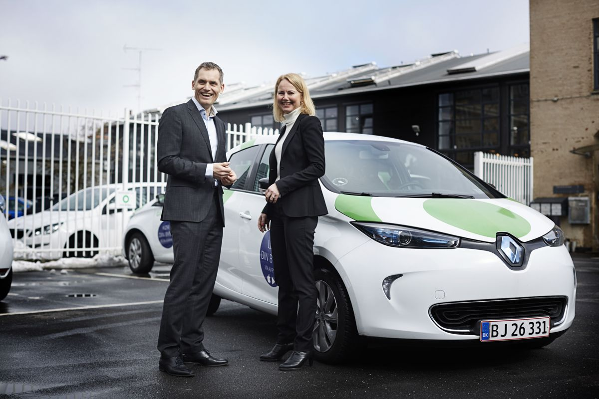 Synne Homble, konserndirektør for mobilitet og strategi i NSB med administrerende direktør Torben Andersen i GreenMobility. Foto: GreenMobility