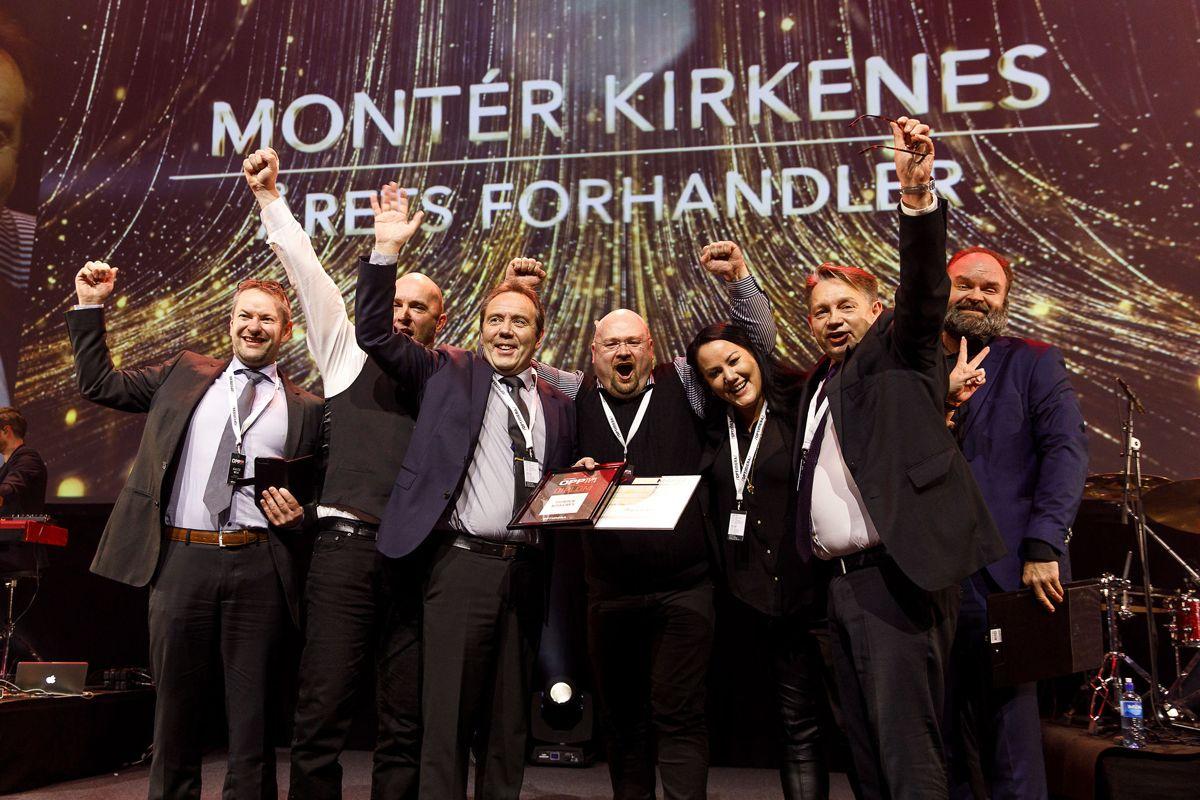 En glad gjeng fra Montér Kirkenes som ble kåret til Årets Forhandler.